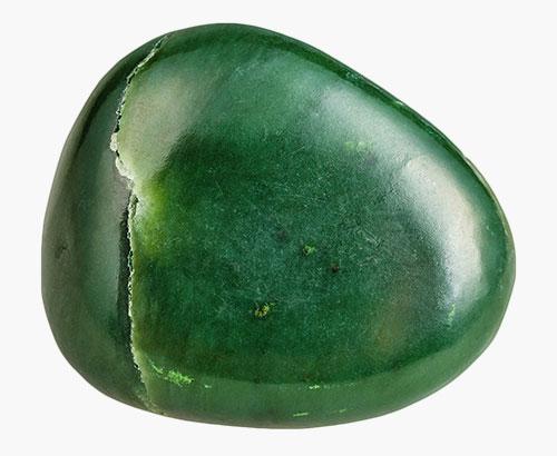 Nahaufnahme des Heilsteins Grüne Jade